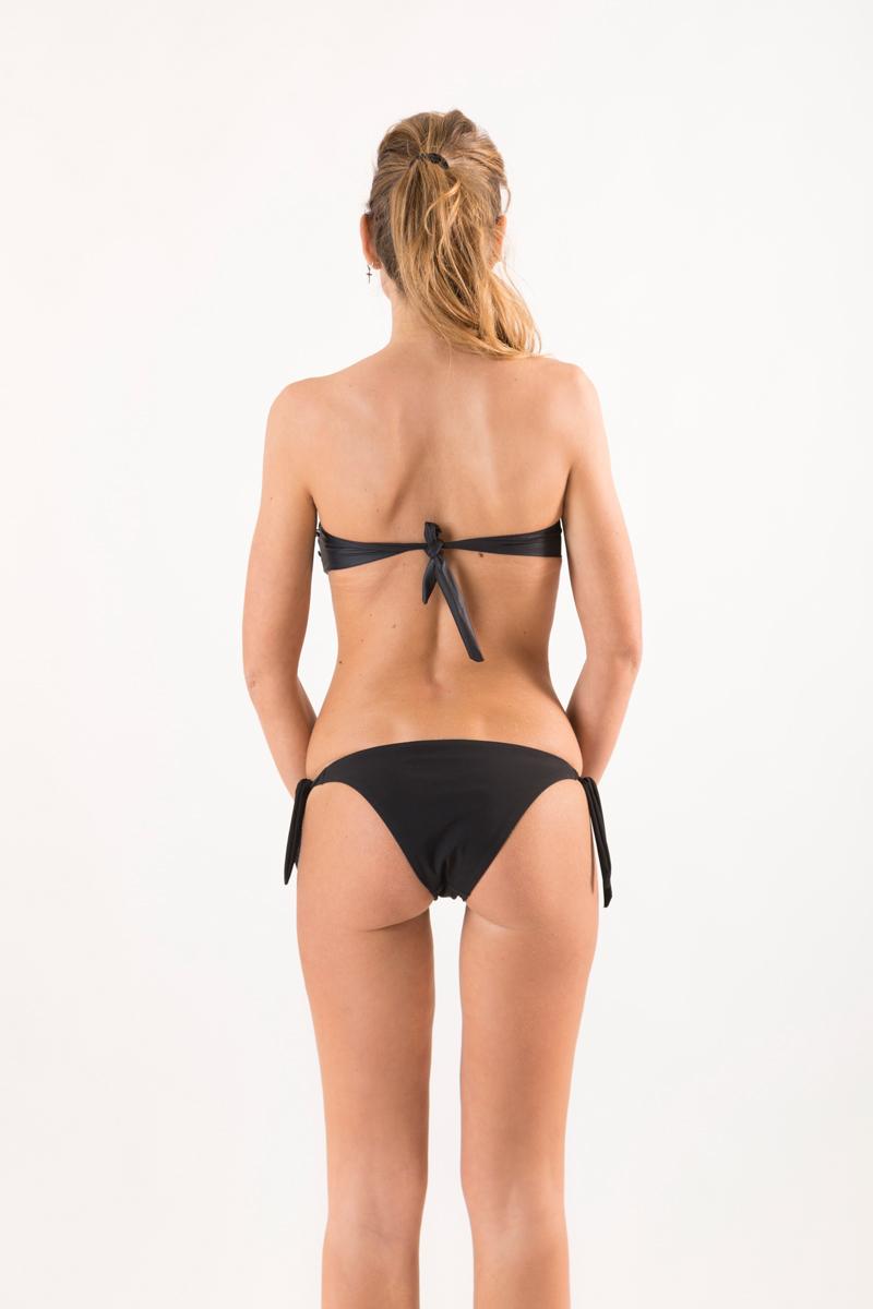 bikini-ingrid-dietro